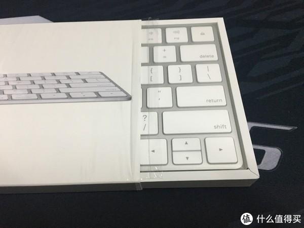 "MacBook Pro 15-inch(2016)周边产品系列评测 篇二:APPLE官配""Magic Keyborad 2""  键盘 开箱"