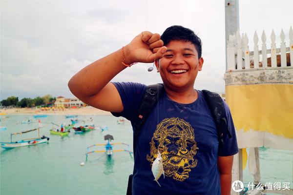 与火山喷发擦肩而过,一个人的巴厘岛之旅 篇三:金巴兰海滩落日海鲜餐和一根筋的印尼人
