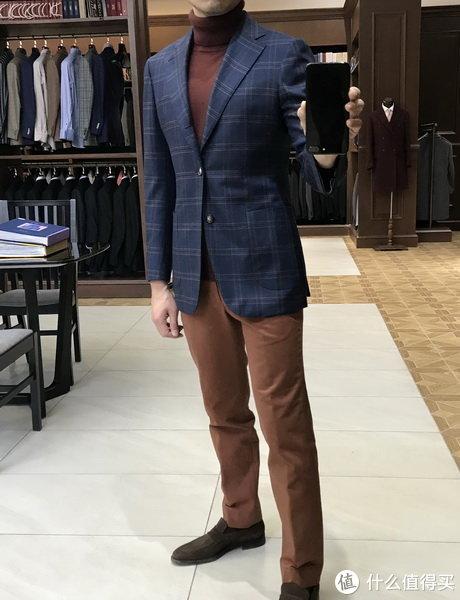 男士正装与西服专栏 篇四:关于西服颜色要怎么选?