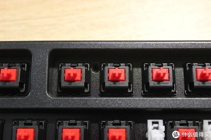 入坑神器进阶,GANSS GS87-D 蓝牙黑色樱桃红轴双模版机械键盘