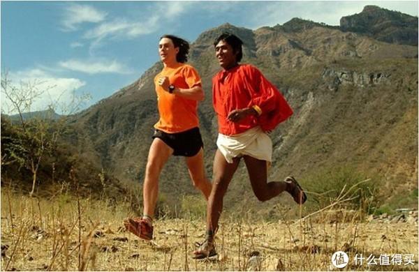 史考特杰瑞克和塔拉乌马拉人一起奔跑