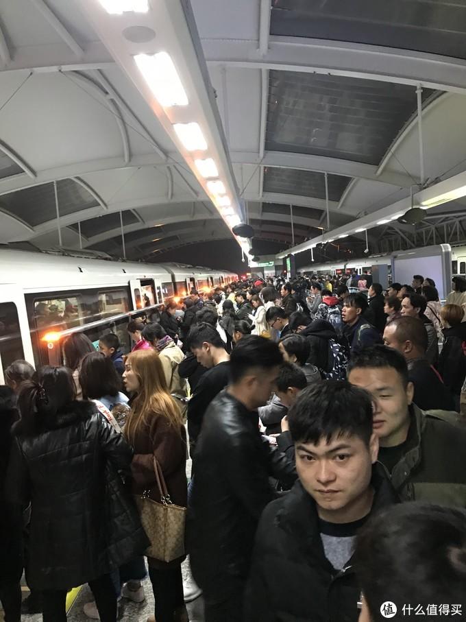 #原创新人#剁主计划-上海#震惊!小小值竟然让4年老值友做这种事情!AWE2018游记