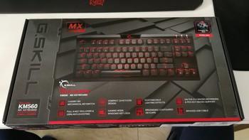 芝奇 KM560 MX 全背光机械键盘外观展示(边框|底座|线材|轴体|包装)