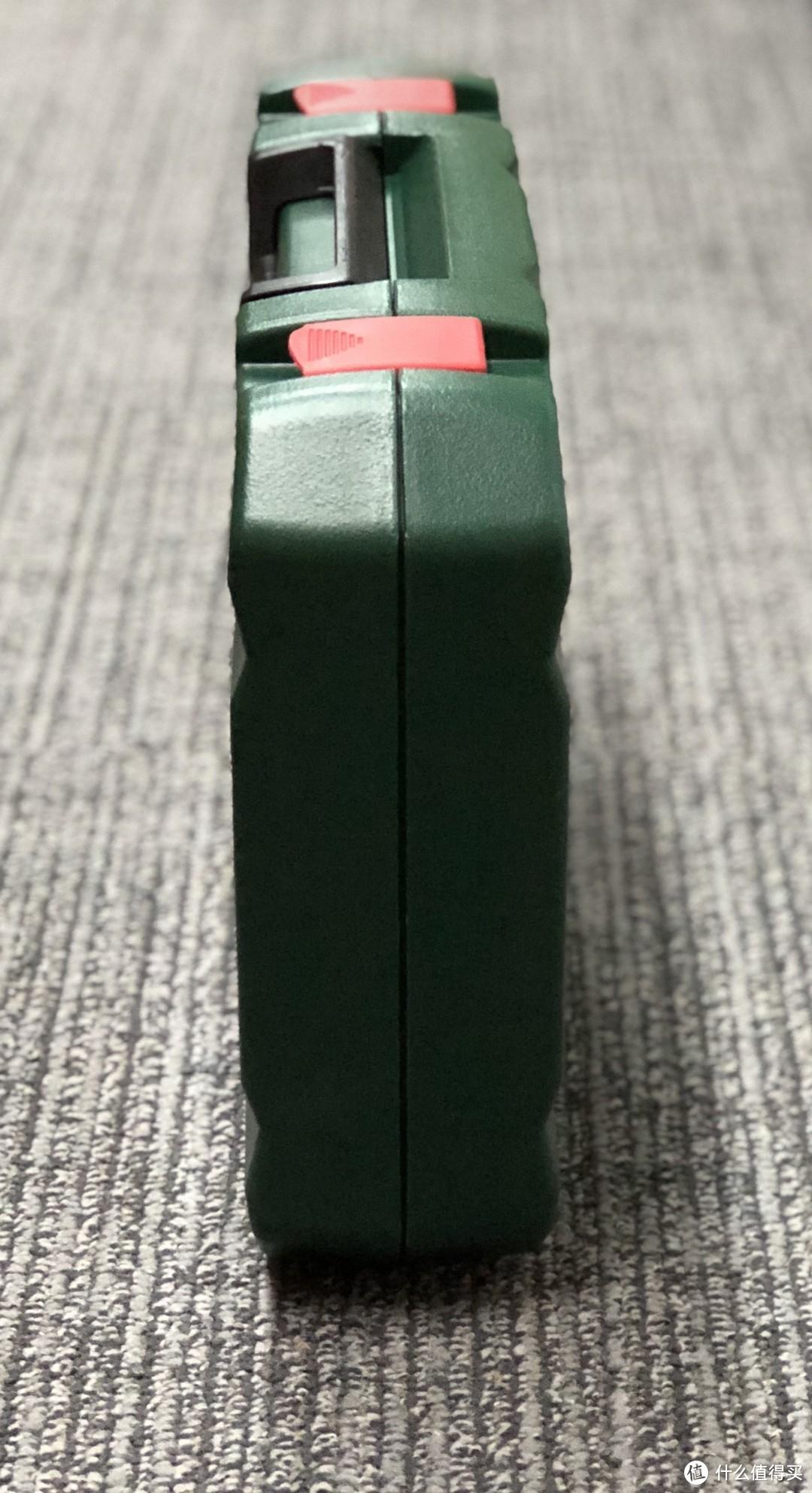 机房里上架的趁手工具:BOSCH 博世 家用多功能 108件套装 五金工具箱 入手体验简评