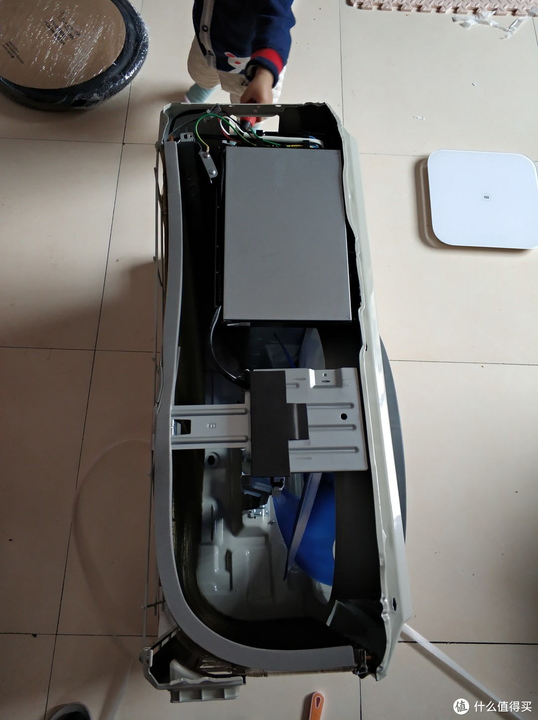 Midea 美的 KFR-26GW/WCEN8A1 大1匹 空调 简单开箱及安装