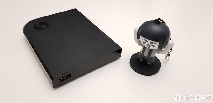 侧面也有一个USB接口,日常够用了。