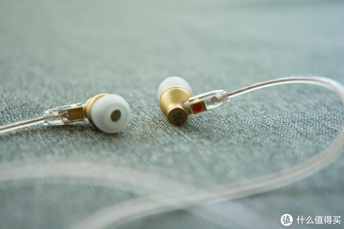降维打击?拓扑振膜Hifiman 头领科技 RE800 耳塞 蹭听