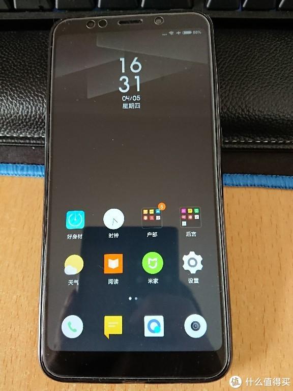 MI 小米 红米5 Plus 智能手机 和 Sony 索尼 XZ Premium 智能手机 对比