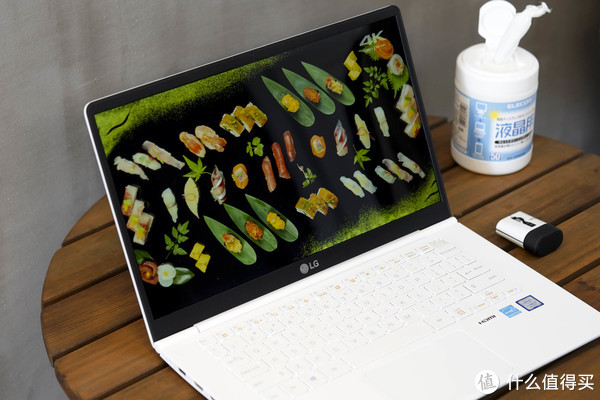 仅999克的14寸笔记本电脑?LG gram 14Z980-G.AA53C 轻薄笔记本电脑 白色2018款 开箱