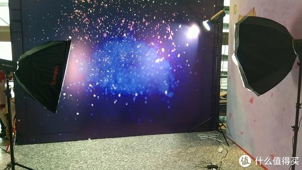 二次元摄影入门 篇一:#原创新人#用什么来拍漫展场照?