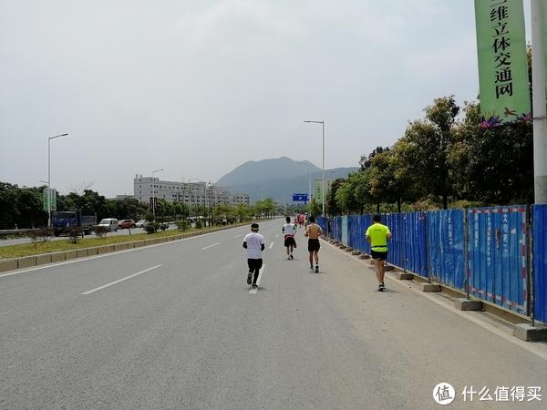 4月1日,我可能跑了个假的马拉松—东莞森林马拉松赛记