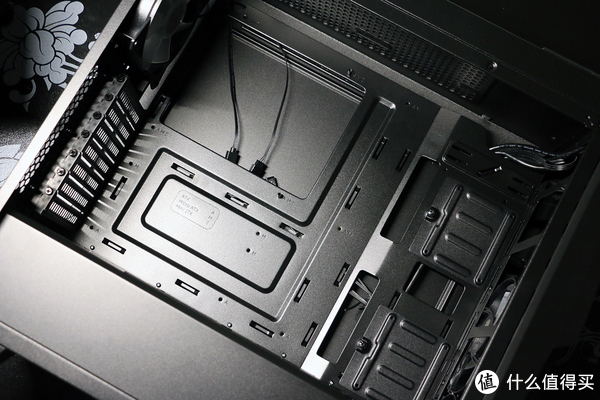 """给机箱换个""""玻璃窗户"""",感受不一样的灯光污染—CoolerMaster 酷冷至尊 毁灭者Ⅲ 钢化玻璃RGB版 机箱 体验"""