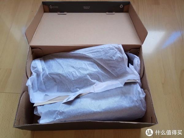 虽然盒子有轻微变形,不过里面没有显得太凌乱
