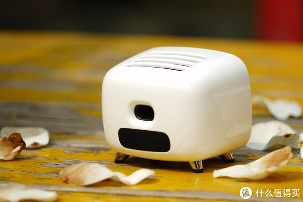 复古设计 让你萌到爆的TIVOO像素蓝牙音箱