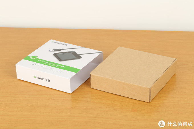 UGREEN 绿联 延长桌面 读卡器 简单开箱