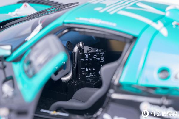 Autoart 玛莎拉蒂 MC12 FIA GT1 2010 冠军车 车模 开箱