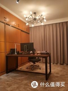 小米65寸电视,富士通二级3P柜机和1.5P挂机,家具灯基本都是淘宝京东。不知道啥风格。。。献丑。。?