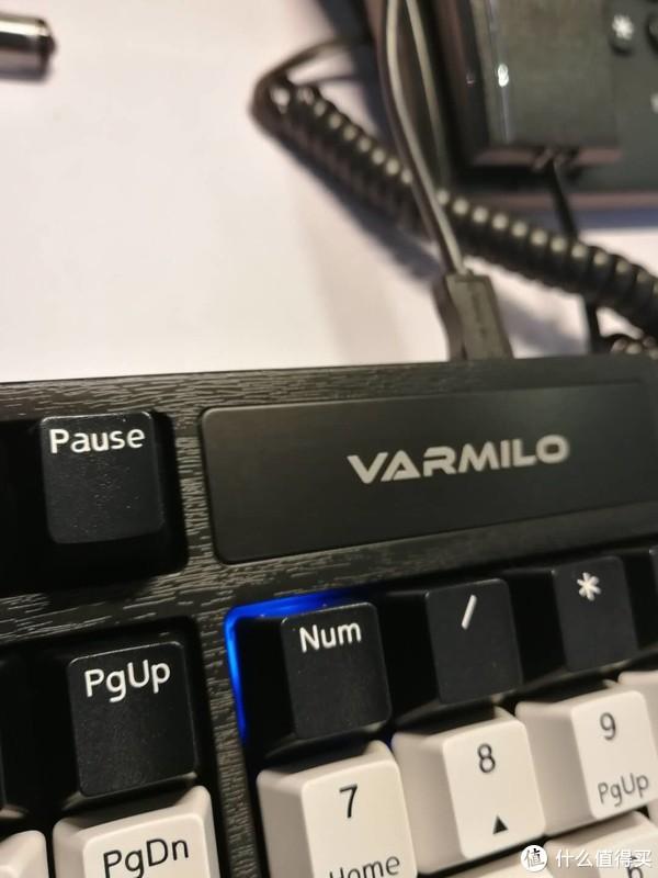 Varmilo 阿米洛 Z104M 静音红轴 键盘 轻开箱