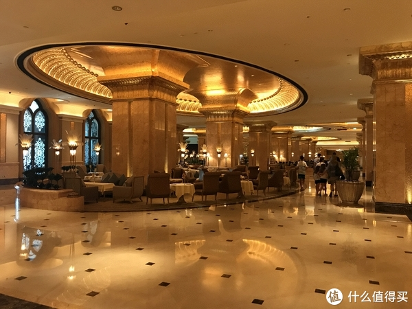 著名的下午茶聚集地,酒店谢绝散客入内,只有消费才可以参观