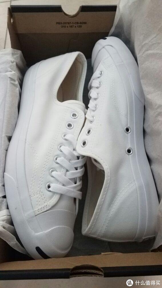主角出现~最近迷恋上白鞋了,真的是太好搭配了!怪不得能火这么多年呢