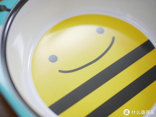 #剁主计划-厦门##全民分享季#好莱坞明星喜爱的品牌,SKIP HOP小蜜蜂系列背包、围嘴、餐盘等