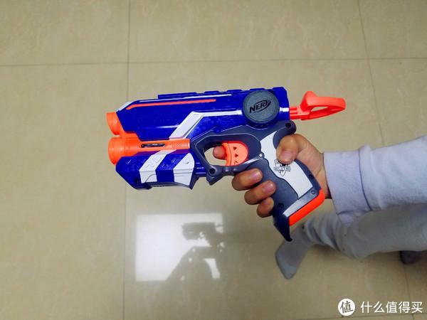 #全民分享季#小枪中的王者—孩之宝NERF软弹枪FIRESTRIKE夜巡展示体验