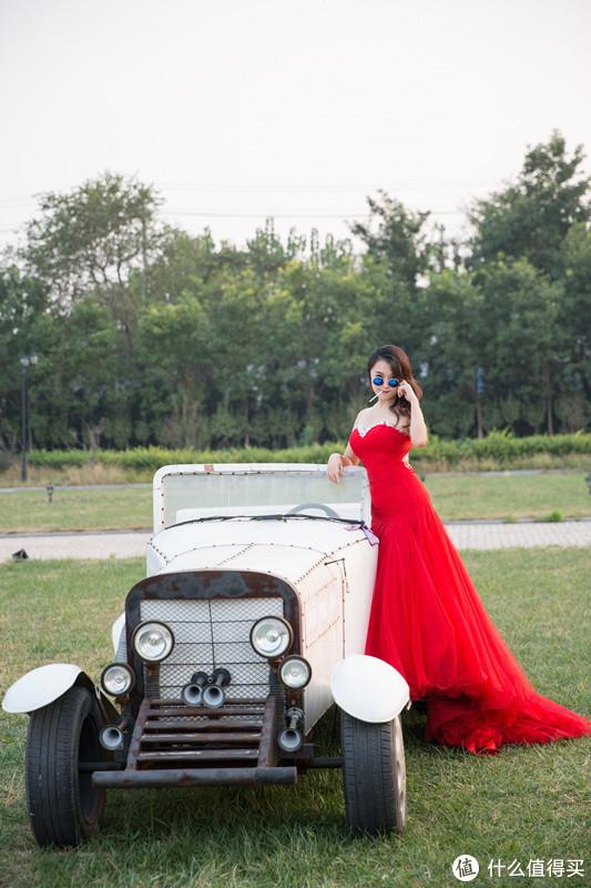 未修图,这张歪了,大概就是举个例子,婚纱照不一定要拍的很正经