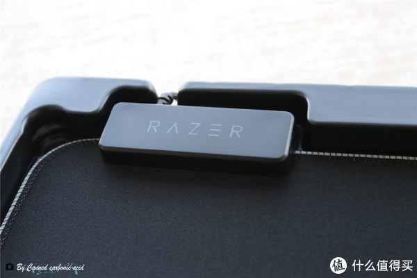 便携与B格共存,Razer雷蛇重装甲虫幻彩版鼠标垫开箱