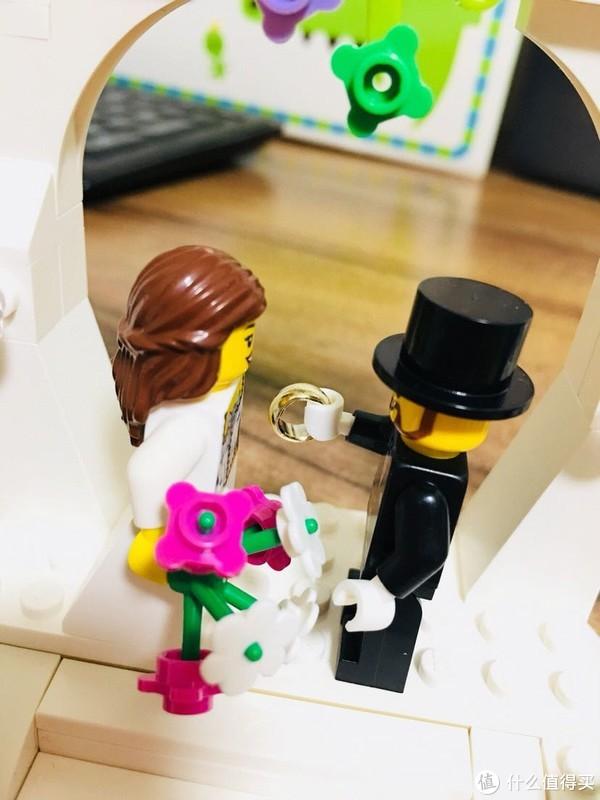 你见过一个新娘和两个新郎的婚礼吗?LEGO 乐高 40165 开箱