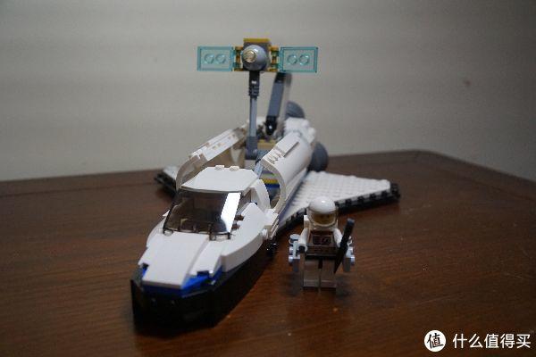 飞船的舱盖可以打开