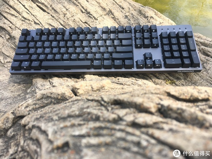 差一步就是水桶!这是一款诚意满满,用心做出的键盘!——DURGOD杜伽 Taurus(金牛座)系列机械键盘评测