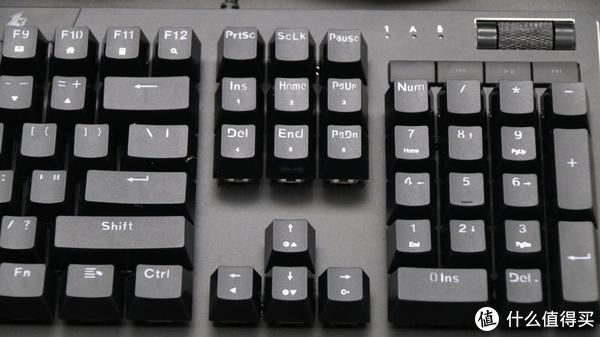 功能键区域的按键都有两个技能,除了基本技能,搭配FN按键可以触发功能区按键的第二技能。