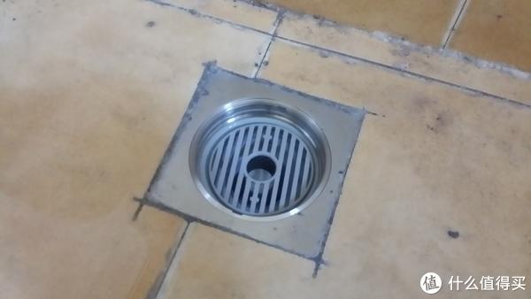 新房装修漫记 篇一:零经验业主带你避开装修后新家首坑:疏通严重堵塞的地漏