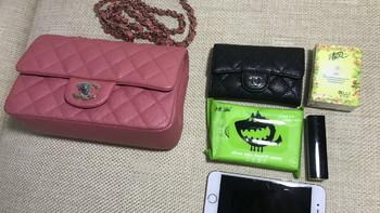 香奈儿 mini CF 粉色荔枝牛皮斜挎包使用感受(颜色 价格 款式 实用性)