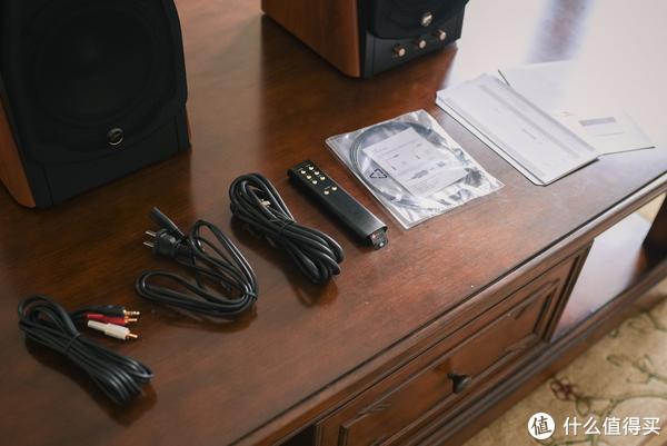 客厅影音新王者?老牌国货劲旅HiVi 惠威 M300 音箱尝鲜开箱小评