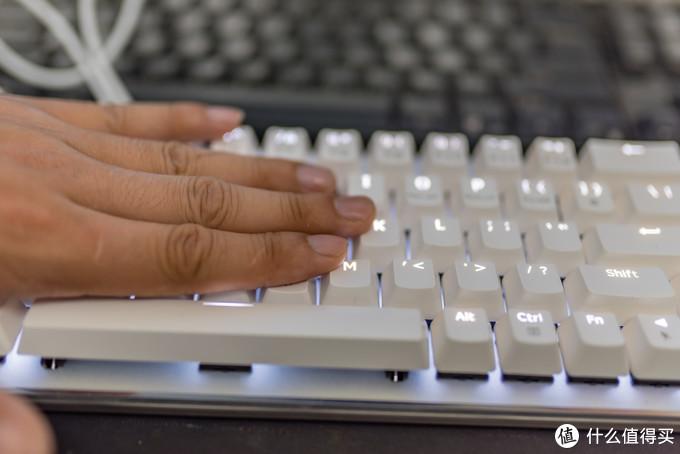 小巧轻便!mac的好帮手:AJAZZ 黑爵 Zn 锌蓝牙双模机械键盘 体验测评