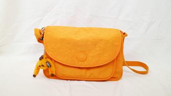 凯浦林 橙色单肩女包开箱展示(材质|线口|挂钩|拉链)