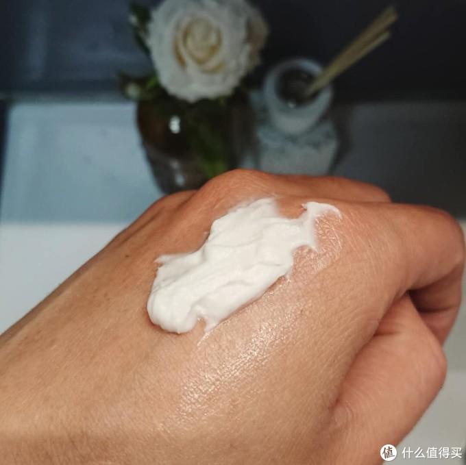 理想的面霜、防晒和身体护理