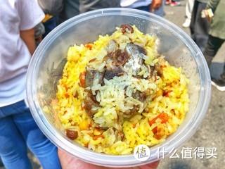 五一假期,有比吃还重要的事情吗? 手抓饭、红柳枝羊肉串、烤包子
