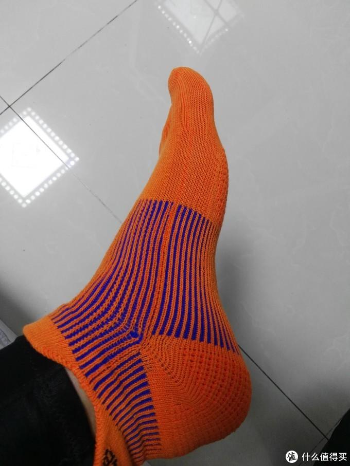 25公里雨中漫步:GEARLAB燃烧装备实验室3D压力五指袜2.0评测报告