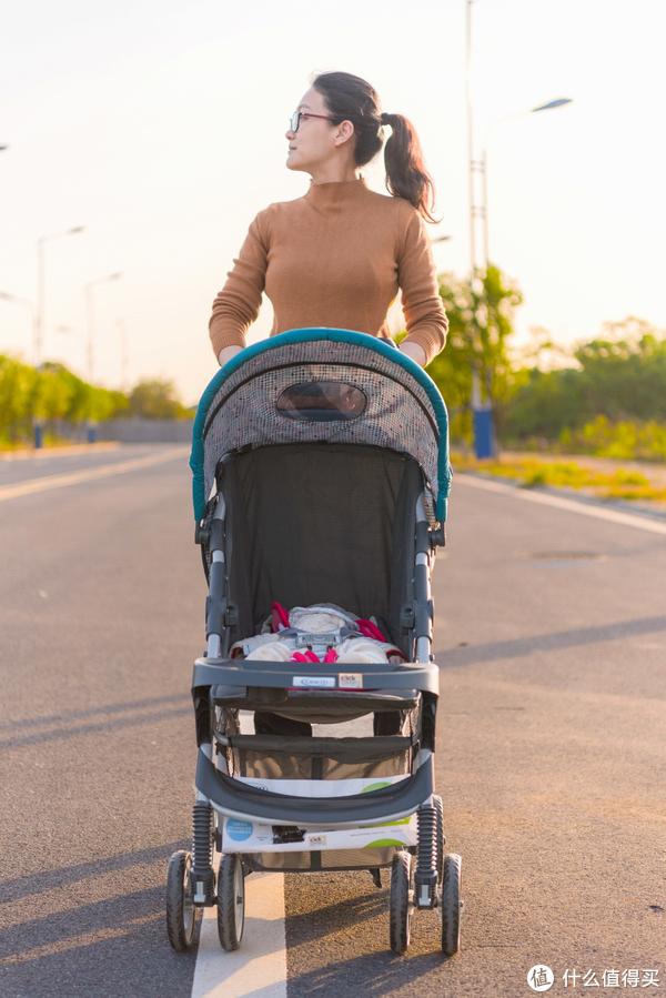 初为奶爸的剁手囤货之路 篇八:婴儿车的性价比之选—GRACO 葛莱 美乐系列 婴儿推车 使用感受