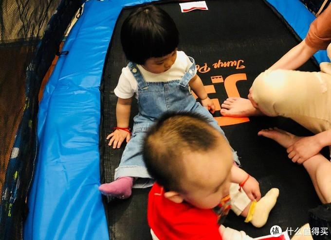 欢乐蹦出趣—JumpPower蹦堡 儿童秋千护网室内外蹦蹦床 体验