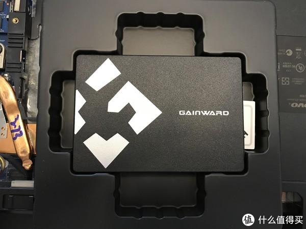 显卡厂卖固态—耕升120G固态硬盘开箱