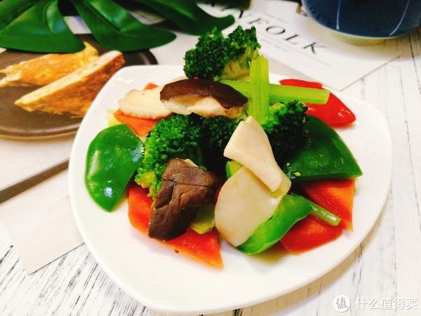 Cathy教你如何边吃边营养:白菜肉卷减脂套餐