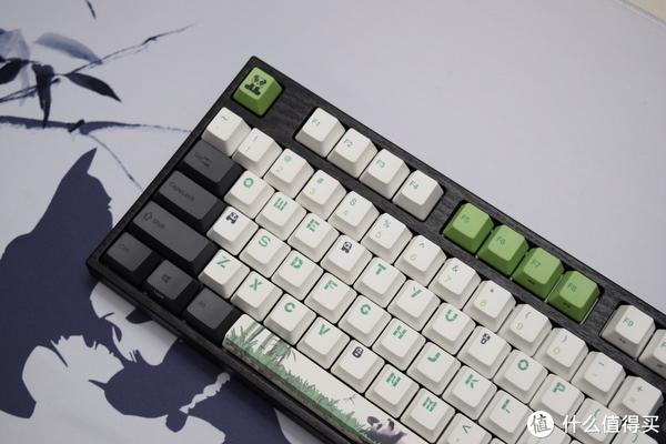 没骗人,这真的是一把国宝键盘: Varmilo 阿米洛 熊猫主题键盘开箱