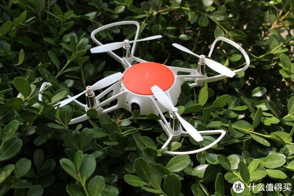 """年轻人第一款""""无人机""""—MI 小米 米兔 遥控小飞机 上手体验"""