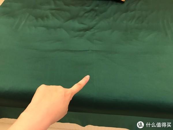 墨绿情缘:深色床品挑选记(附淘宝C店40姆米真丝床单枕套开箱)