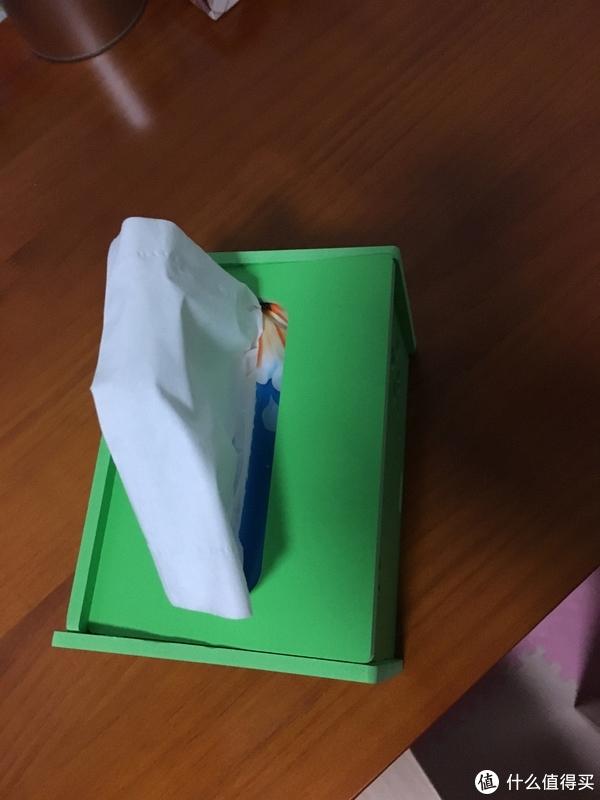 拼装好的赠品纸巾盒