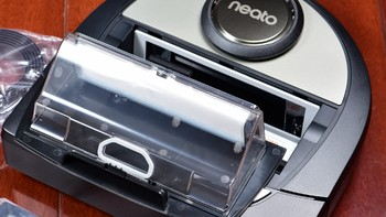 Neato Robotics Botvac D7 Connected 扫地机器人外观展示(集尘盒 滤网 接口 边刷)