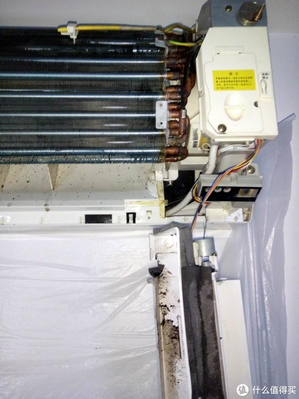 你家空调的空调内机干净么? 篇一:母亲节的小劳动:空调清洁剂可以清洗空调内机么?